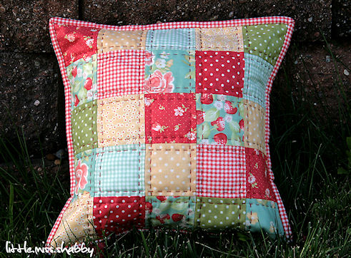Free Throw Pillow Quilt Pattern : LMS That Red Quilted Pillow?A Free Tutorial